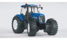 Bruder 03020 - New Holland T8040 Traktor