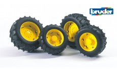 Bruder 02321 (02012) - Traktor Zwillingsbereifung mit gelben Felgen, Super-Pro