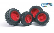 Bruder 02322 (02013) - Traktor Zwillingsbereifung mit roten Felgen, Super-Pro